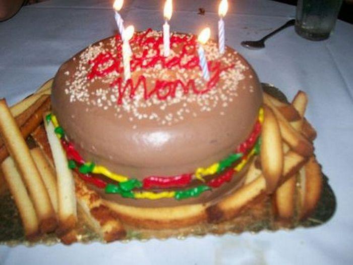 20-fails-and-funny-birthday-cakes-13