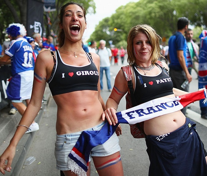 fifa-womens-world-cup-craziest-football-fans-from-france-2019-04