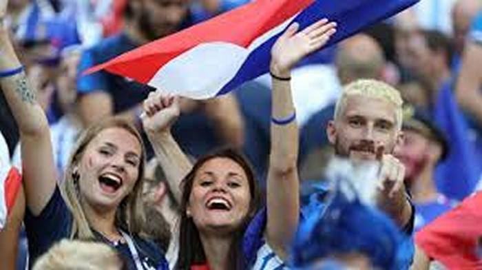 fifa-womens-world-cup-craziest-football-fans-from-france-2019-12