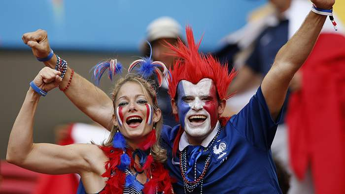 fifa-womens-world-cup-craziest-football-fans-from-france-2019-13