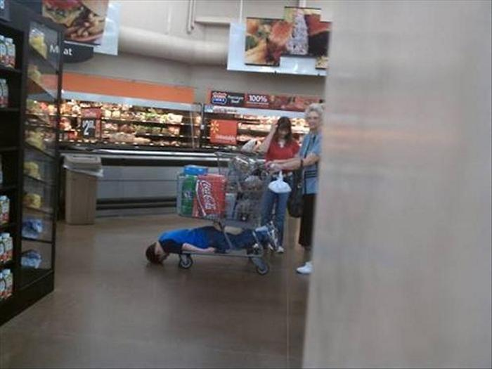 26-of-the-most-viral-funny-people-of-walmart-pictures-09