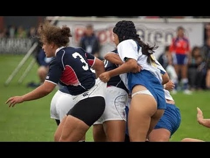 football-female-referee-h0t-funny-moments-15