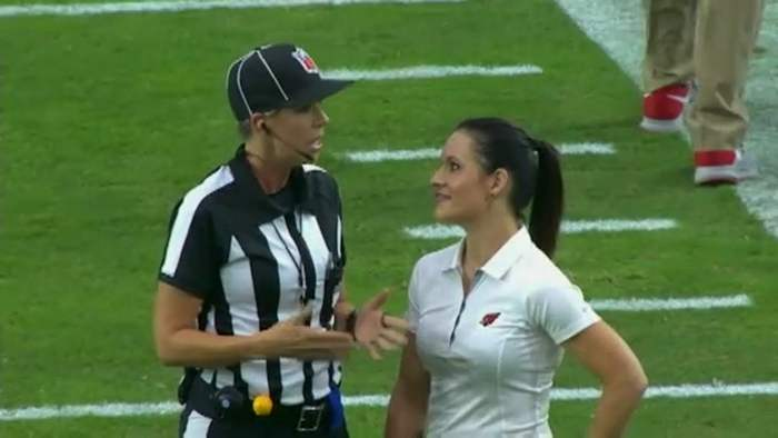 football-female-referee-h0t-funny-moments-19
