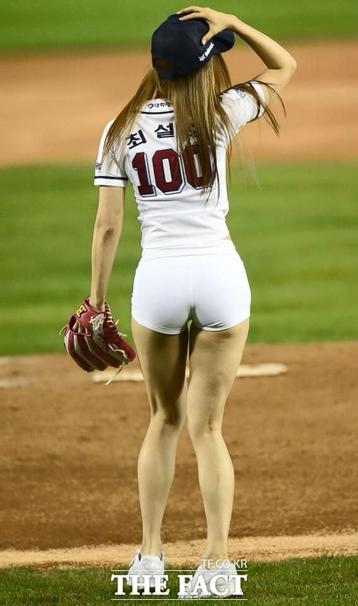 ridiculous-baseball-and-softball-bloopers-and-fails-20-pictures-03