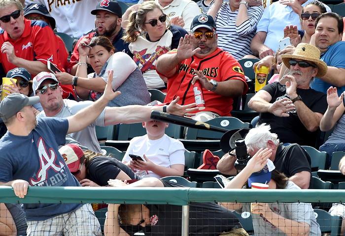ridiculous-baseball-and-softball-bloopers-and-fails-20-pictures-12