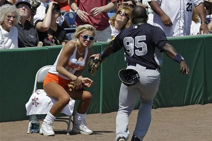 ridiculous-baseball-and-softball-bloopers-and-fails-20-pictures-16